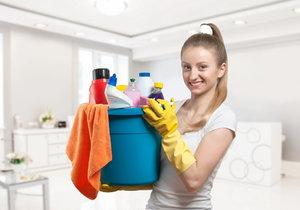 Nezapomeňte, že čistit potřebují i vaše čisticí prostředky