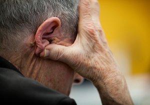 Lidé trpící Parkinsonovou chorobu jsou často izolováni od společenského života a trápí je deprese.