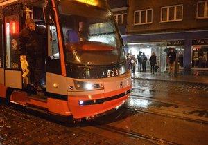 Tramvaj číslo 16 čeká výluka. (Ilustrační foto)