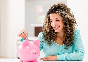 Češi a důchod: Donuťte šéfa vylepšit vám penzi! Chcete přežít? Musíte šetřit.