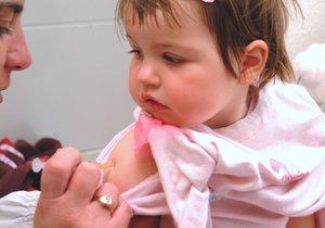 Lékaři mají jasno. Když ubude očkovaných dětí, mohou se šíři nemoci, s nimiž jsme už nepočítali