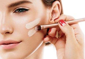 Poradíme vám, jak si vybrat make-up v drogerii