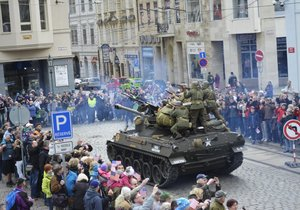 70 let od konce druhé světové: Americké tanky v Plzni a velkolepé prvomájové oslavy osvobození