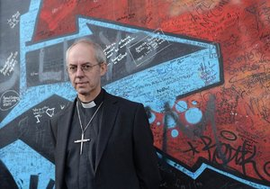 Arcibiskup z Cantenbury přiznal, že anglikánská církev věděla o zneužívání malých chlapců.