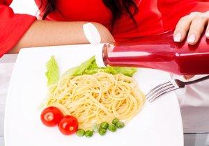 """Kečup plný rajčat, nebo jen """"obarvená voda""""? Víme, jak vybrat kvalitní ochucovadlo."""