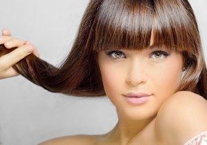 Jak si správně mýt vlasy? Šampon vždy dvakrát a nezapomínat na kondicionér