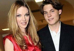 Dospělý syn Pavlíny Němcové Alain se stal právníkem!