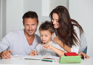Přílišná starostlivost rodičů dětem neprospívá