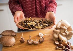 Některé houby se v poslední době dostávají do pozornosti lidí zabývajících se svým zdravím. Jejich léčivé účinky jsou známy již tisíce let, až v posledních letech je potvrdily i vědecké výzkumy.