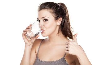 Vodní dieta: Zázrak na hubnutí, nebo úplný nesmysl?