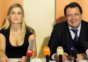 Aleně Borůvkové na sociální síti doporučují psychiatra.