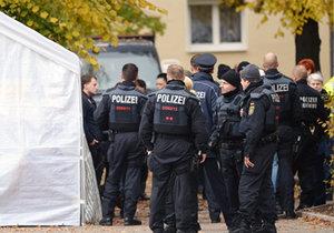 Německá policie vyšetřuje podezřelé dva muže a předmět, který u nich nalezl. (ilustrace)