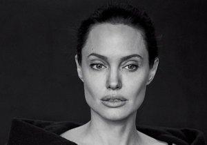 Angelina Jolie promluvila o nejtěžším roce svého života.