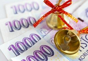 Chcete se kvůli vánočním dárkům zadlužit? Předem si zjistěte všechny možnosti