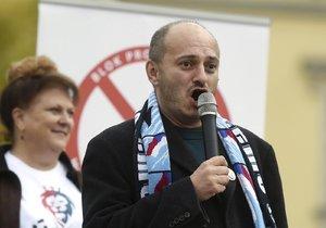 Konvička psal o namletí moučky z muslimů. Hrozí mu až tři roky či domácí vězení