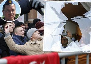 """ONLINE: Pilot """"Kosťa"""": Nikdo nás nevaroval. A Rusové poničili Turkům ambasádu"""