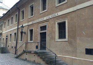 Legendární restaurace Vikárka je zavřená. A otevřít ji nikdo nemůže.