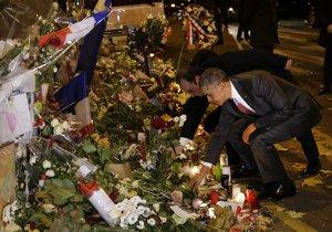 Obama přijel na místo hrůzy. U klubu Bataclan uctil památku obětí teroristů