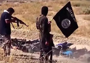 Islámský stát v iráckém Tikrítu brutálně povraždil až 1700 neozbrojených šíitských vojenských kadetů.