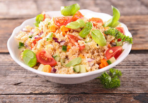Salát s quinou