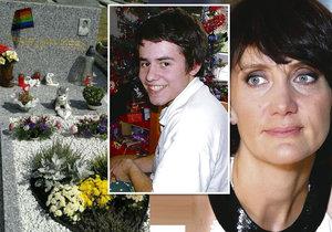 Synovec Ester Janečkové Filip (†14), který se zabil kvůli homosexualitě, má konečně duhový náhrobek.