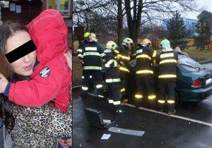 Omylem si zabouchla dvouleté dítě v autě: Hasiči ho otevřeli za deset minut
