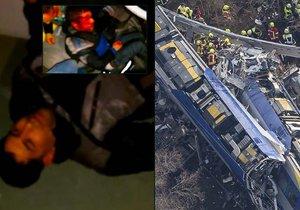 Jeden z pasažérů natočil krátce po nehodě děsivé záběry zraněných cestujících.