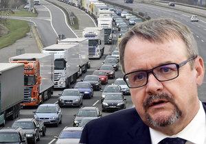 České dálnice by bez mýtného mohly zaplavit kamiony.