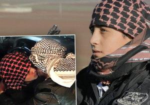 Malý džihádista se rozloučil s otcem a vyrazil s autem plným výbušnin vstříc smrti.