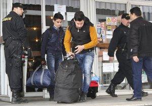 """Iráčané z Česka dostali v Německu azyl. Bojí se """"pomsty"""" za útěk"""