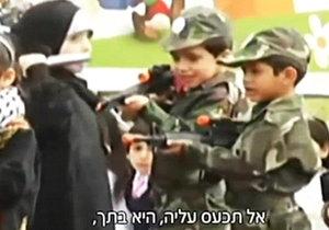 Palestinské děti na festivalu předstíraly, že zabily Izraelce.