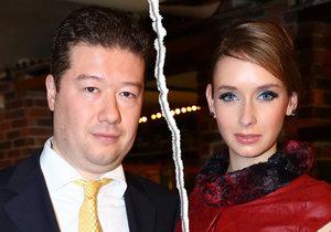 Tomio Okamura se rozešel se svou o 19 let mladší milenkou.