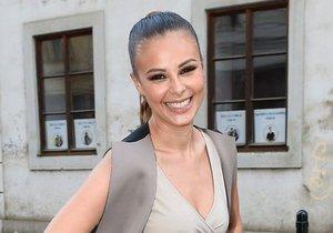 Monika Bagárová je úchvatná.