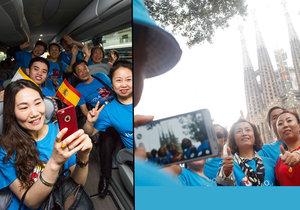Čínský magnát Li Ťin-jüan zaplatil svým 2500 zaměstnancům dovolenou ve Španělsku.