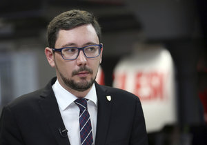 Zemanův mluvčí Jiří Ovčáček ve studiu Blesku