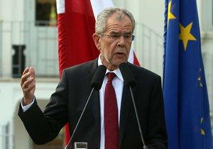 Zfalšované rakouské volby? Příznivci Hofera hledají příčinu prohry