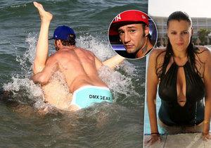 Ornella se Sámerem předváděli erotické hrátky ve vlnách.