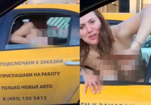 Rusy nachytali při sexu v taxíku.