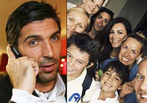 Alena Šeredová je zpátky v Česku. Její synové jako by tátovi z oka vypadli!