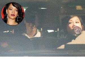 Čokoládová kráska z Barbadosu Rihanna je v Praze.