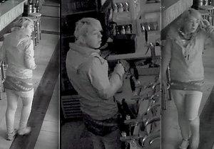 Policie hledá ženu, která z baru ukradla kasírku s 15 tisíci korunami. Pokud ji poznáváte, volejte 158.