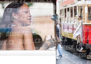Rihanna si chce den po úterním koncertu prohlédnout Prahu z historické tramvaje. Ucpala město!