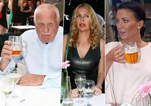 Celebrity vyrazily na tenis. A na osvěžení.
