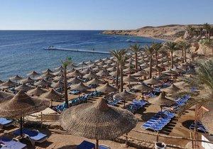 Na egyptské pláže každoročně zamíří desetitisíce Čechů. Sinaji se ale teď vyhýbají.