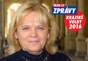 Jitka Pokorná (STAN) lobbovala za svou stranu, kterou podporují TOP 09, KDU-ČSL i KOA. Je dvojkou na kandidátce, lídrem je primátor Karlových Varů Petr Kulhánek.