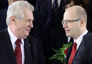 Prezident Miloš Zeman a premiér Bohuslav Sobotka