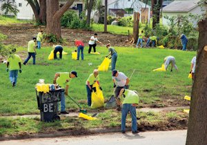 Na údržbě městských ploch se podílejí dobrovolníci.