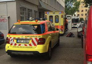 Popeláři srazili seniorku (81). Kdo za nehodu může, je předmětem vyšetřování.