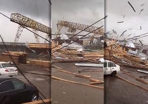 Tornádo ve městě Syktyvkar zdevastovalo, co mohlo.