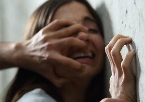 Dívka se místo rady po znásilnění dočkala potupy. (ilustrační foto)
